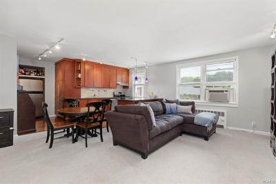 Westchester County Co-Operative For Sale: 8 Bryant Crescent #2I/J