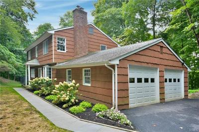 Croton-On-Hudson Single Family Home For Sale: 25 Westminster Drive