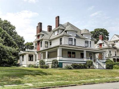 Middletown Single Family Home For Sale: 31 Highland Avenue