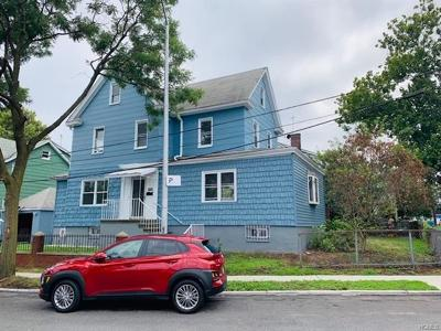 Bronx Single Family Home For Sale: 3144 Willow Lane