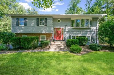 Rockland County Single Family Home For Sale: 7 Old Brick Road