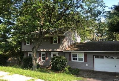 Warwick Single Family Home For Sale: 2 Ivy Place