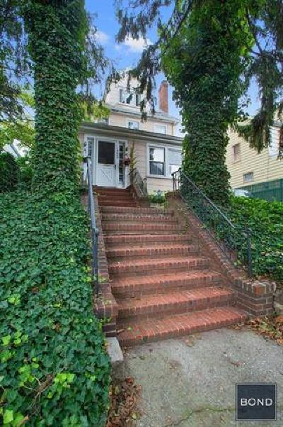 Brooklyn Single Family Home For Sale: 186-05 Wexford