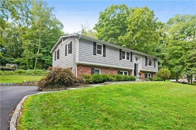 Westchester County Single Family Home For Sale: 17 Billingsley Trail