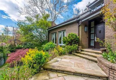Bronx NY Single Family Home For Sale: $2,999,999