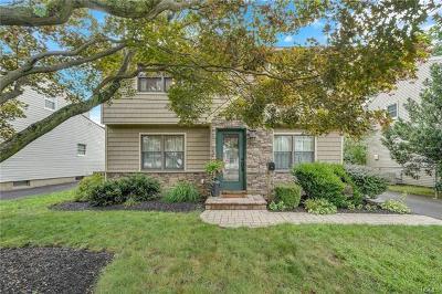 Single Family Home For Sale: 21 Lexington Avenue