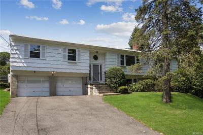 Westchester County Single Family Home For Sale: 15 Meadow Place