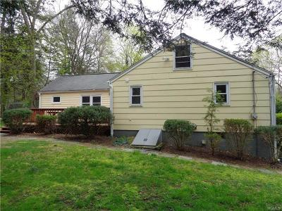 Connecticut Single Family Home For Sale: 50 River Trail