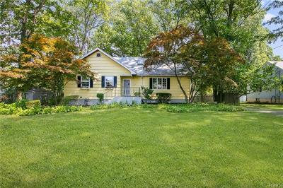 Nanuet Single Family Home For Sale: 50 Briar Road