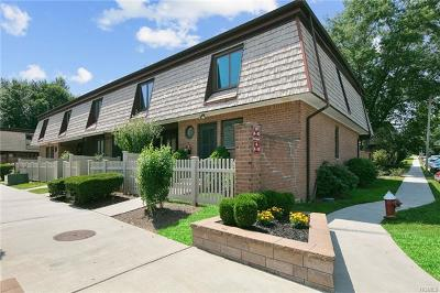 Rockland County Condo/Townhouse For Sale: 8 Heritage Drive #A