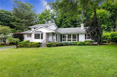 Westchester County Single Family Home For Sale: 8 Eagles Bluff