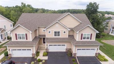Middletown Single Family Home For Sale: 10 Highrose Ridge Way