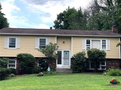 Middletown Single Family Home For Sale: 4 Valley View Drive