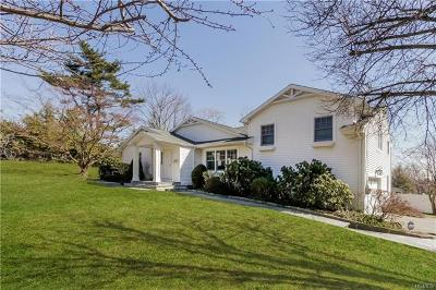 Westchester County Single Family Home For Sale: 9 Old Oak Road