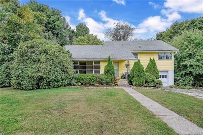 Cortlandt Manor Single Family Home For Sale: 9 Lent Street