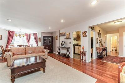 Westchester County Co-Operative For Sale: 12 Westchester Avenue #1D