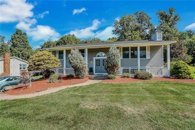 Monroe Single Family Home For Sale: 60 Winchester Drive