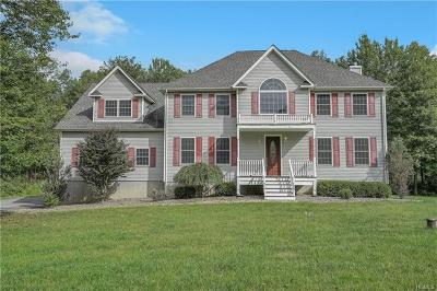 New Windsor Single Family Home For Sale: 2 Farm Hollow Road