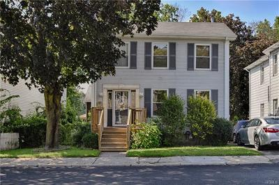Middletown Single Family Home For Sale: 96 Sprague Avenue