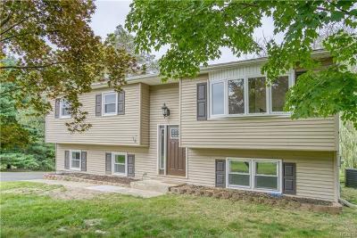 Monroe Single Family Home For Sale: 18 Emily Lane