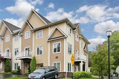 Single Family Home For Sale: 10 Oak Glen Road #10