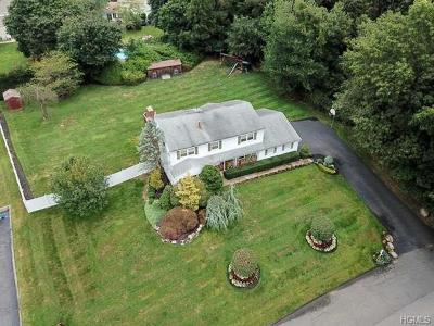 Spring Valley Single Family Home For Sale: 16 Woodwind Lane