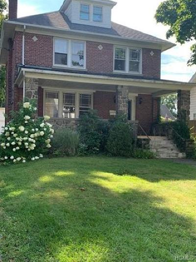 Dutchess County Single Family Home For Sale: 11 West Willow Street