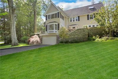 New Rochelle Single Family Home For Sale: 56 Pell Place