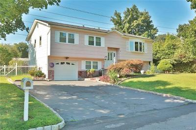 Single Family Home For Sale: 23 Woodridge Drive