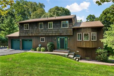 Yorktown Heights Single Family Home For Sale: 399 Chestnut Court