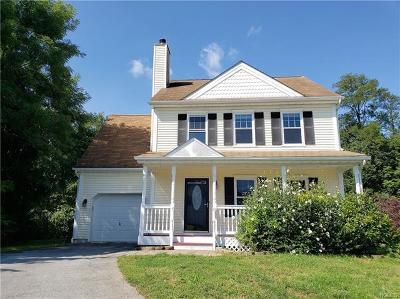 Poughquag Single Family Home For Sale: 21 Ferris Glen