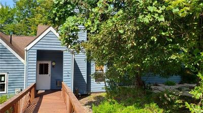 Barryville, Woodridge Single Family Home For Sale: 26 Fox Ridge