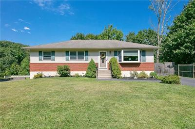 Single Family Home For Sale: 14 Bender Court