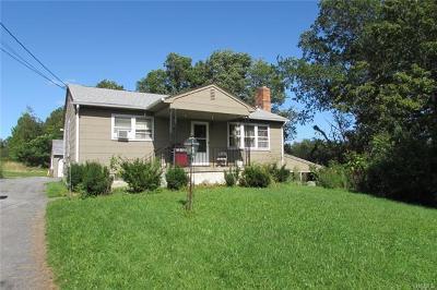Pine Bush Single Family Home For Sale: 39 Warn Avenue