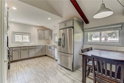 Monroe Single Family Home For Sale: 36 Hillside Terrace