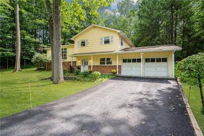 Dutchess County Single Family Home For Sale: 70 Hillis Terrace