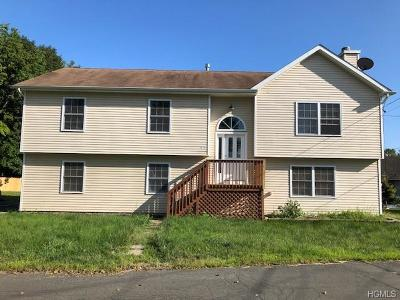 Middletown Single Family Home For Sale: 12 Cornelia Street