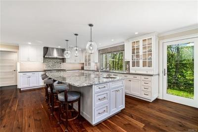Armonk Single Family Home For Sale: 8 Embassy Court