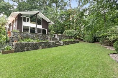 Croton-On-Hudson Single Family Home For Sale: 14 Lounsbury Road