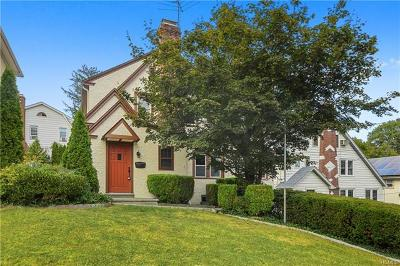 White Plains Single Family Home For Sale: 80 Bolton Avenue
