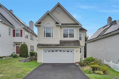Peekskill Single Family Home For Sale: 119 Benefield Boulevard