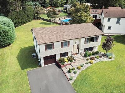 Single Family Home For Sale: 7 Sapling Court