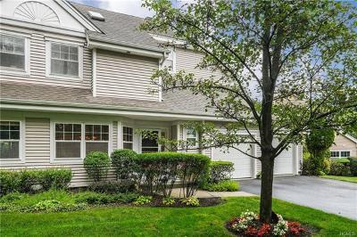 White Plains Condo/Townhouse For Sale: 53 Winding Ridge Road