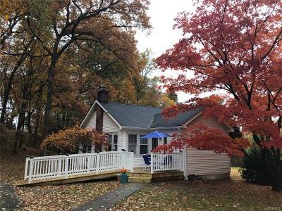 Mohegan Lake Single Family Home For Sale: 1590 Amazon Road