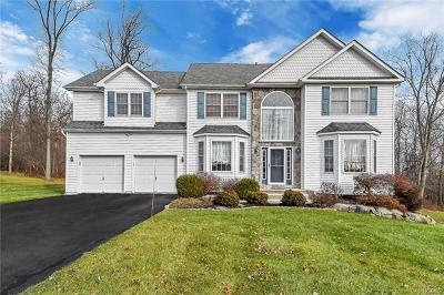 New Windsor Single Family Home For Sale: 1045 Rolling Ridge