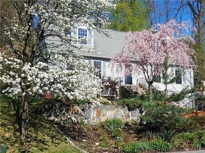 Ossining Single Family Home For Sale: 18 Jenkins Court