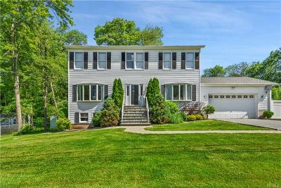 Yorktown Heights Single Family Home For Sale: 122 Friends Road