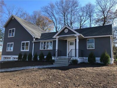 Pleasantville Single Family Home For Sale: 81 Beech Hill Road
