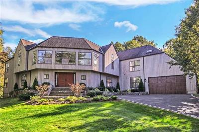 Westchester County Single Family Home For Sale: 30 Harrows Lane