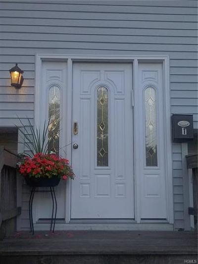 Rockland County Single Family Home For Sale: 1 Johanna Lane